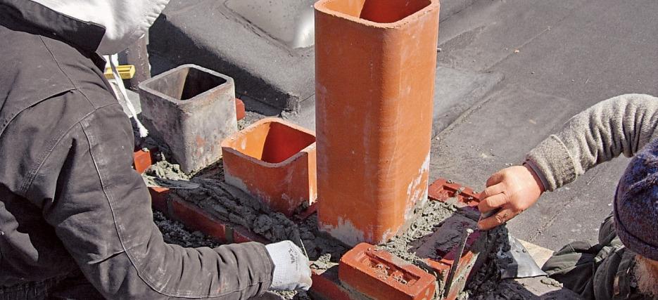 Гильзование дымохода керамической трубой